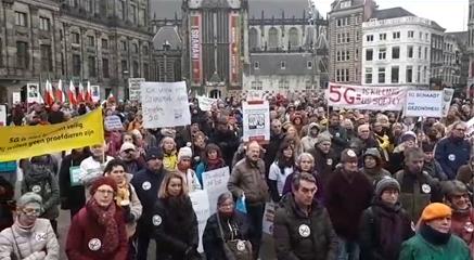Demonstratie tegen 5G op 25-05-2020 Amsterdam